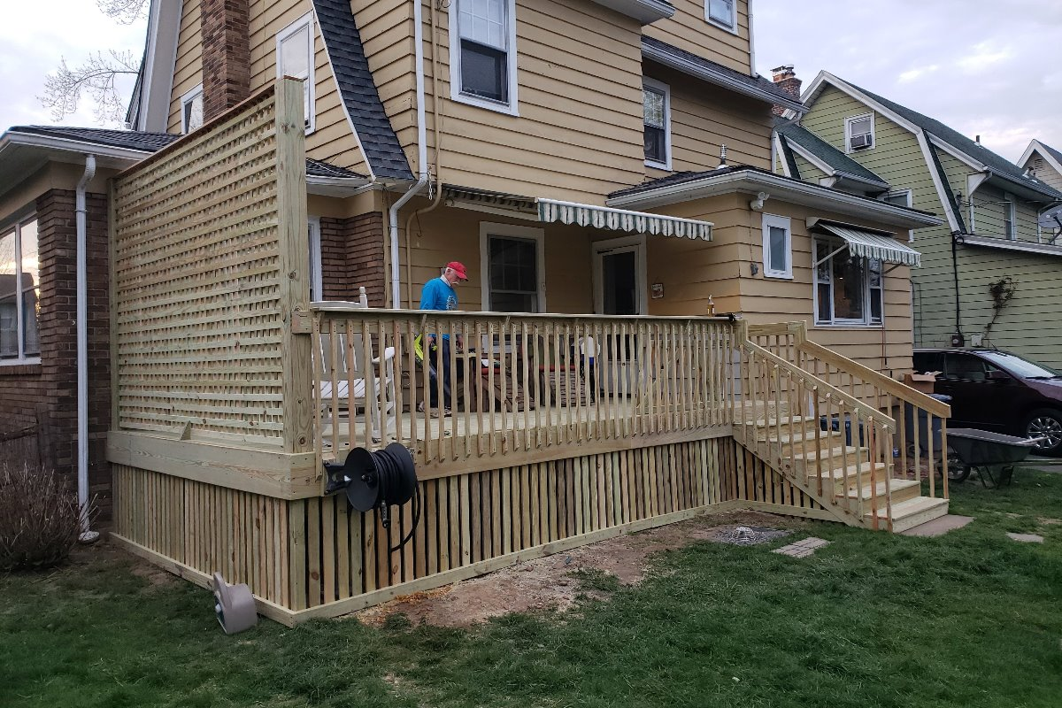 custom deck carpentry